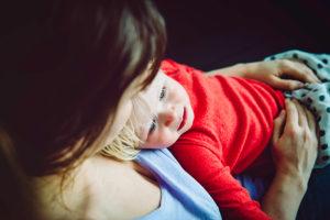 Complicaciones de la alimentación por sonda: ¿Qué hago cuando mi hijo vomita?