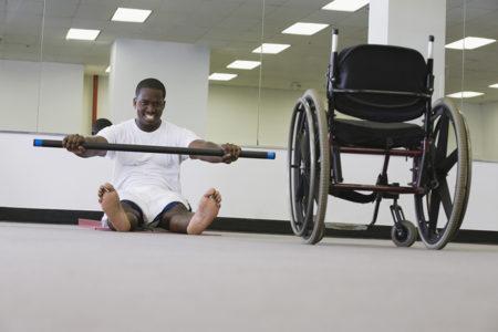 Staying fit in a wheelchair Mantenerse en forma en silla de ruedas